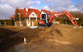 DSC 0146 272x172 - Realizacja robót ziemnych oraz podbudowy pod drogę w Michałowicach - koparka kraków