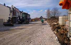 DSC 0178 272x172 - Realizacja robót ziemnych oraz podbudowy pod drogę w Michałowicach - koparka kraków