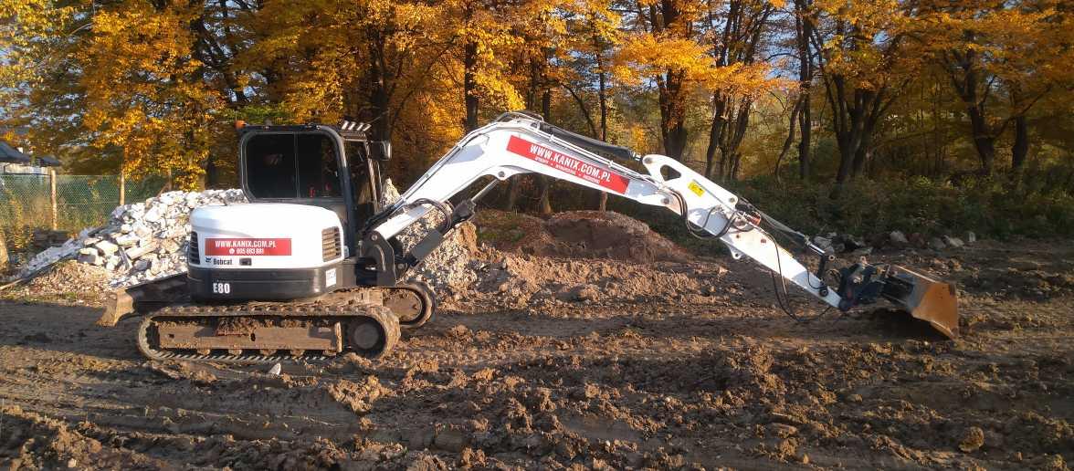 1 1176x516 - Przygotowanie terenu pod nową inwestycję przy ul. Trockiego - koparka kraków