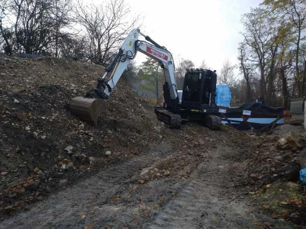 DSC 0475 600x450 - Budowa kanalizacji sanitarnej Kraków Pychowice. - koparka kraków