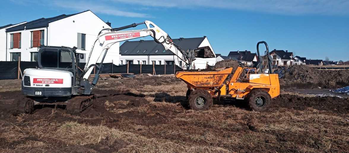 IMG 20210322 083130 1 1176x516 - Roboty ziemne dla drugiego etapu osiedla domów. - koparka kraków