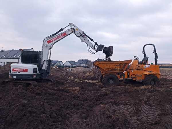 IMG 20210323 154506 600x450 - Roboty ziemne dla drugiego etapu osiedla domów. - koparka kraków