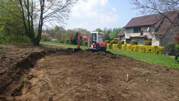 DSC 1092 2 600x338 - Wieliczka – przygotowanie działki pod nową inwestycję - koparka kraków