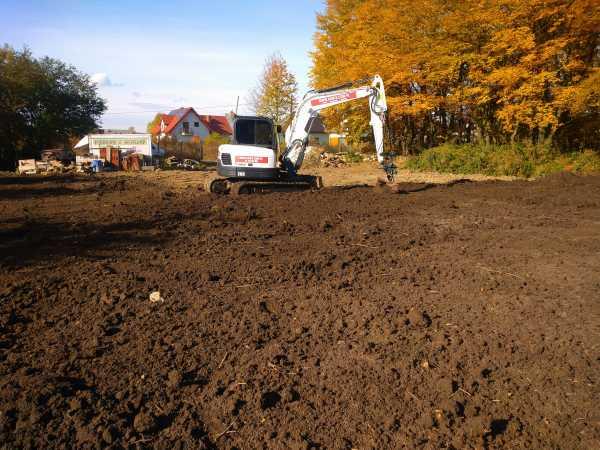 4 600x450 - Przygotowanie terenu pod nową inwestycję przy ul. Trockiego - koparka kraków