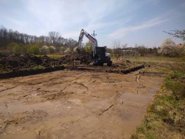 DSC 0636 600x450 - Wykonanie podbudowy pod płytę fundamentową. - koparka kraków