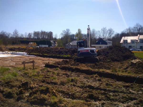 DSC 0638 600x450 - Wykonanie podbudowy pod płytę fundamentową. - koparka kraków