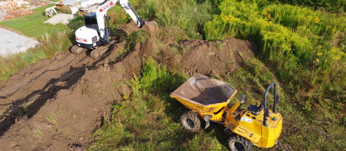 DJI 0161 1176x516 - Roboty ziemne w Iwanowicach Dworskich. - koparka kraków